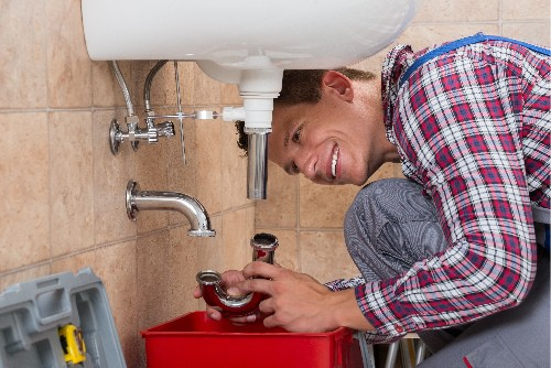 Clean a clogged drain pipe DIY to save money