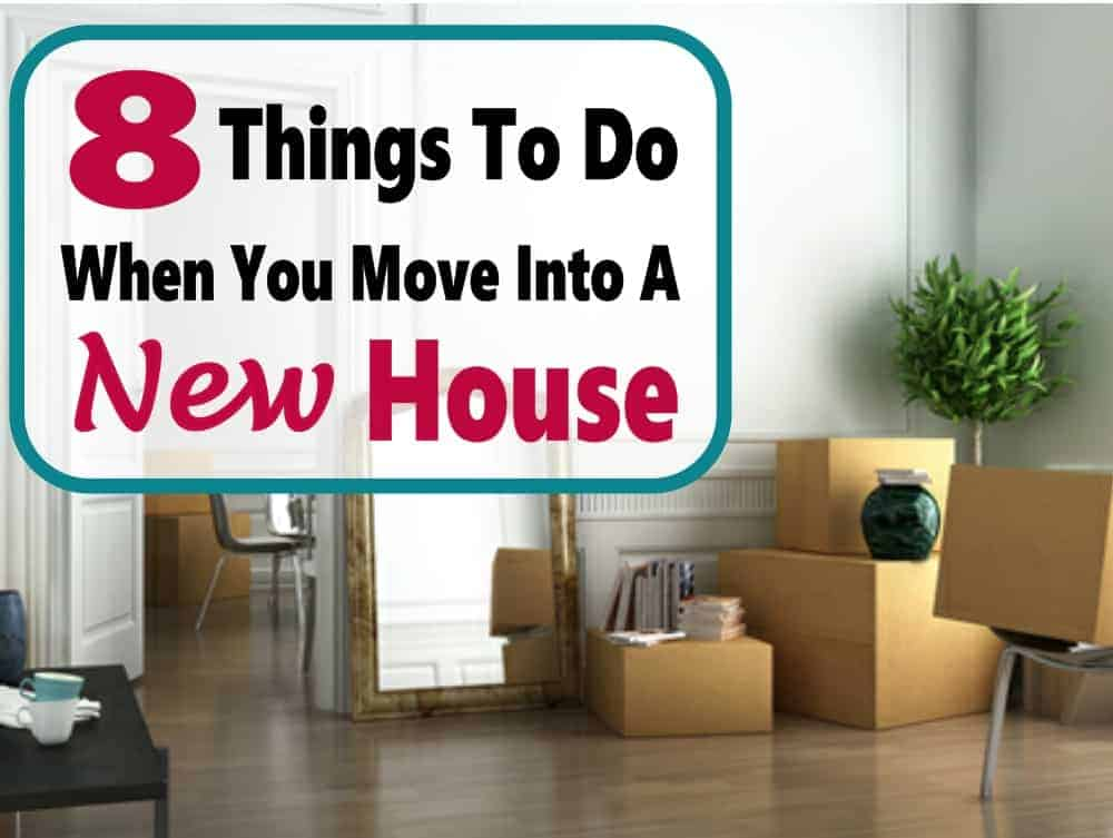 Making a move into a new house can be stressful. Here are 8 awesome tips to relive the burden of moving and stay organized. home | moving | buying a home #moving #buyingahome #movinghacks