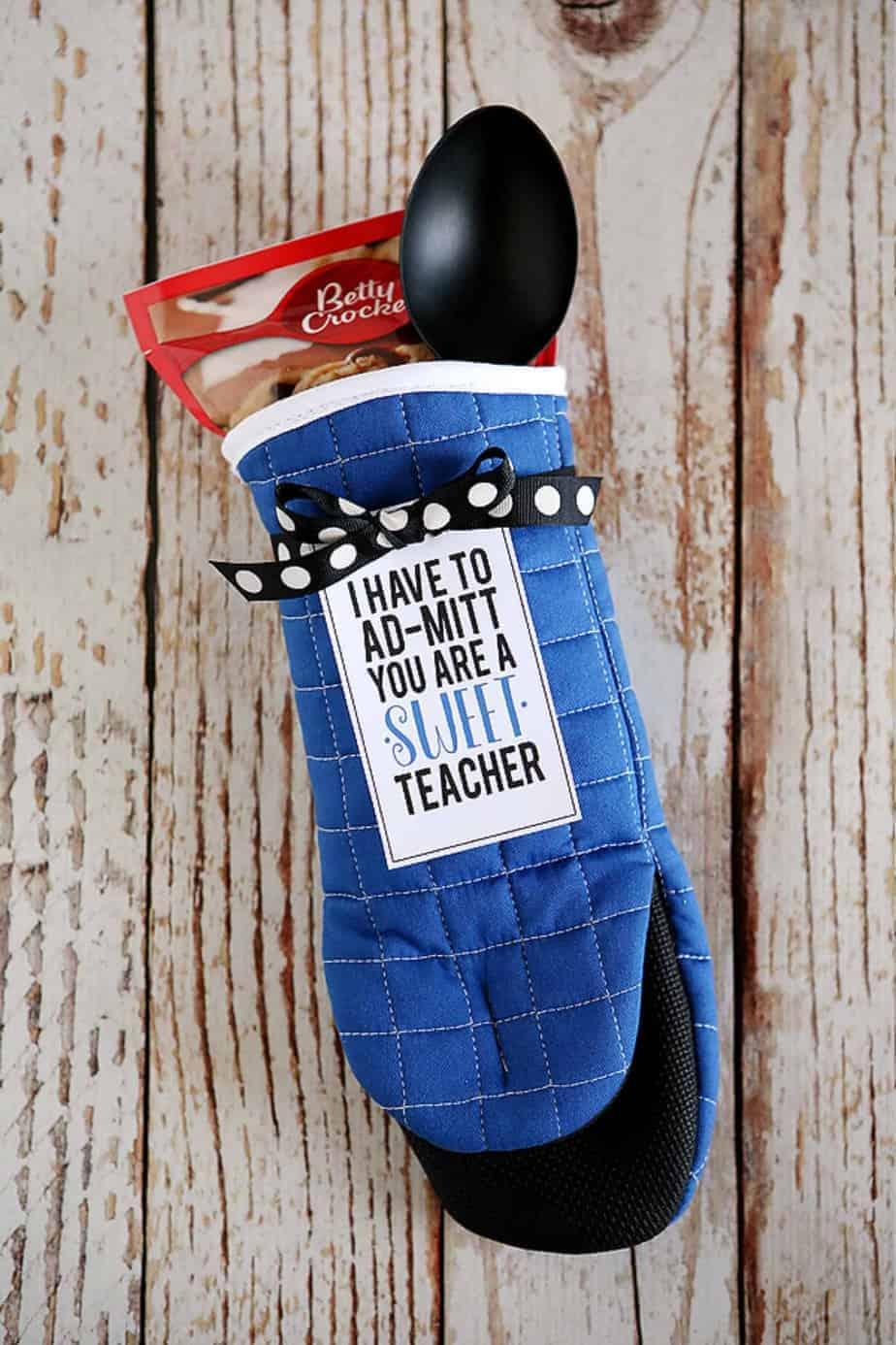 Oven mitt treat teacher gifts