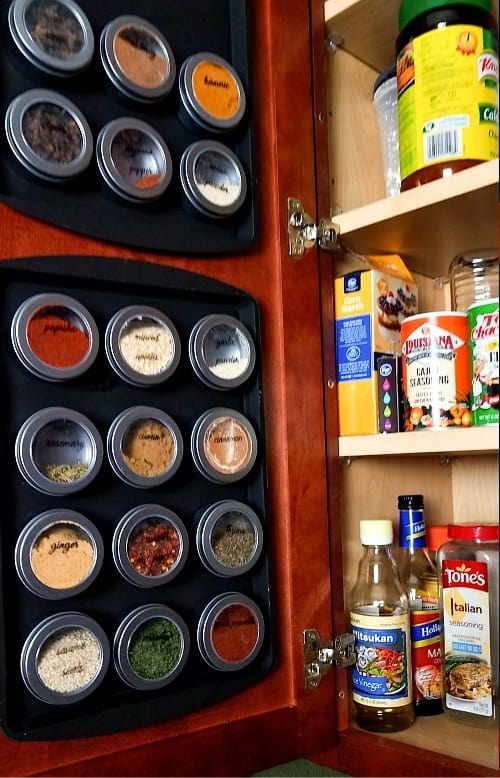 Magnetic Spice Rack to organize a pantry