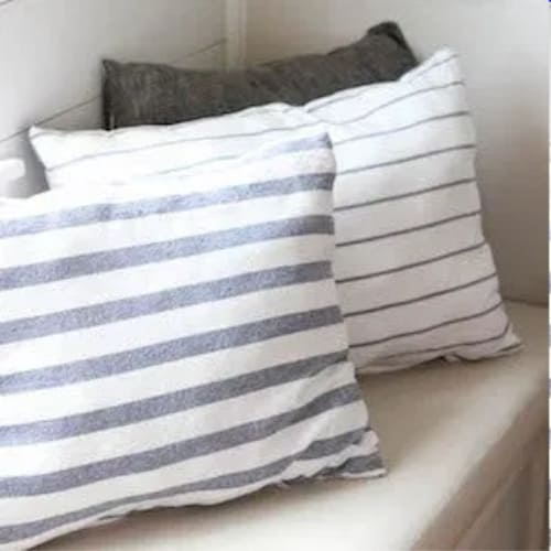 Dollar Tree Tea Towel DIY Pillows