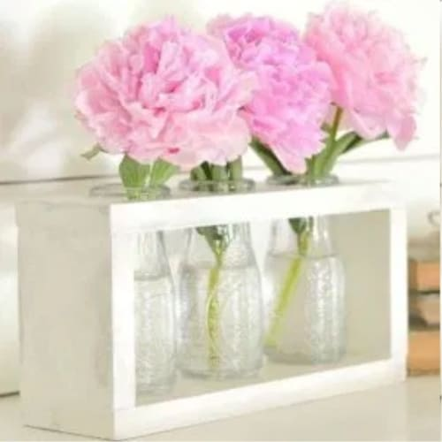 DIY farmhouse decor style vase holder from dollar store supplies