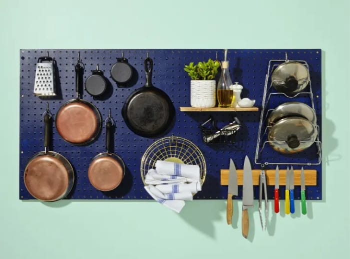 Use Peg Bord to Organize Pots and Pans